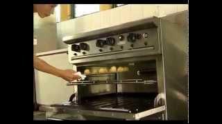 Vệ sinh an toàn thực phẩm trong bếp bánh