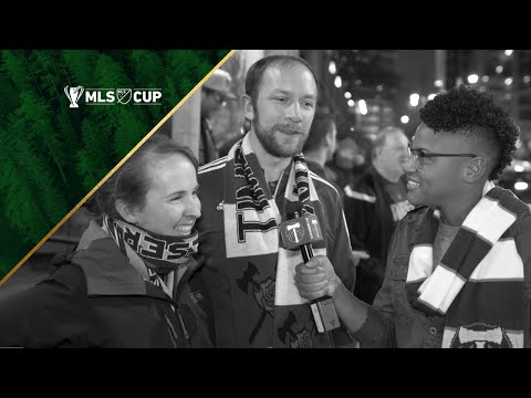 Video: Thorns FC's Adrianna Franch at the Timbers Army MLS Cup rally for a wedding proposal