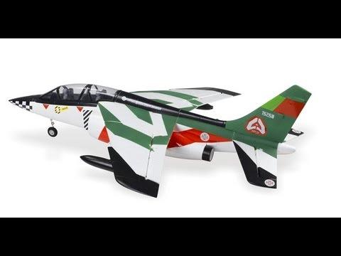 Смотреть видео Радиоуправляемая модель самолета Alpha