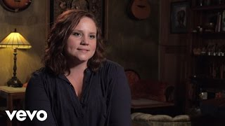 'Fighter' is available now: http://umgn.us/fighterFolds Of Honor provides scholarships and assistance to the spouses and children of those killed or disabled in service to America.  To support more families like Crissie's, please visit https://www.foldsofhonor.orgPurchase David Nail's latest music: http://umgn.us/davidnailpurchaseStream the latest from David Nail: http://umgn.us/davidnailstreamSign up to receive email updates from David Nail: http://umgn.us/davidnailupdatesWebsite: http://www.davidnail.comFacebook: https://www.facebook.com/DavidNailInstagram: https://www.instagram.com/davidnailTwitter: https://twitter.com/davidnailMusic video by David Nail performing Fighter Series. (C) 2016 MCA Nashville, a Division of UMG Recordings, Inc.http://vevo.ly/ePxr8I