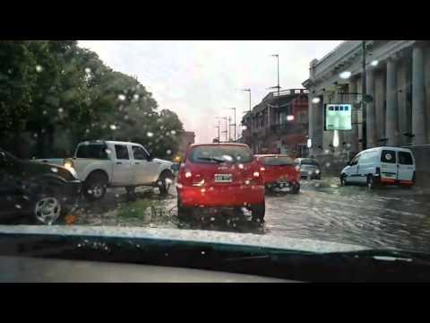 Cola de tornado azotó por varios minutos a Concepción del Uruguay