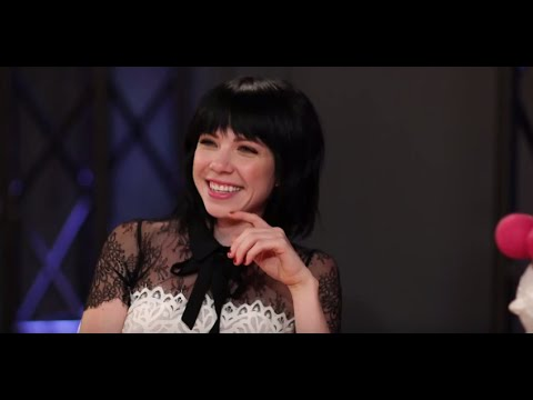 Carly Rae Jepsen nude body! Check out her most naked Instagram pics.