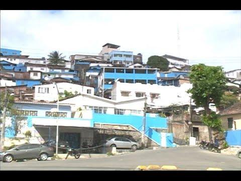 [JORNAL DA TRIBUNA] Casas são pintadas de azul e branco para a Festa do Morro da Conceição