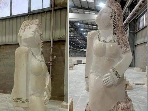 مصر تنهض.. تمثال عرض صاحبه لسخرية السوشيال ميديا