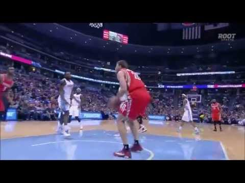 Patrick Beverley picks steal, fires no-look pass for slam