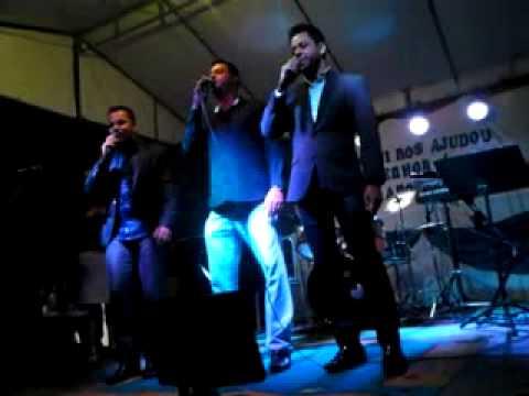 Flavio Nogueira - Daniel e Samuel louvam a Deus juntos em Taparuba-MG
