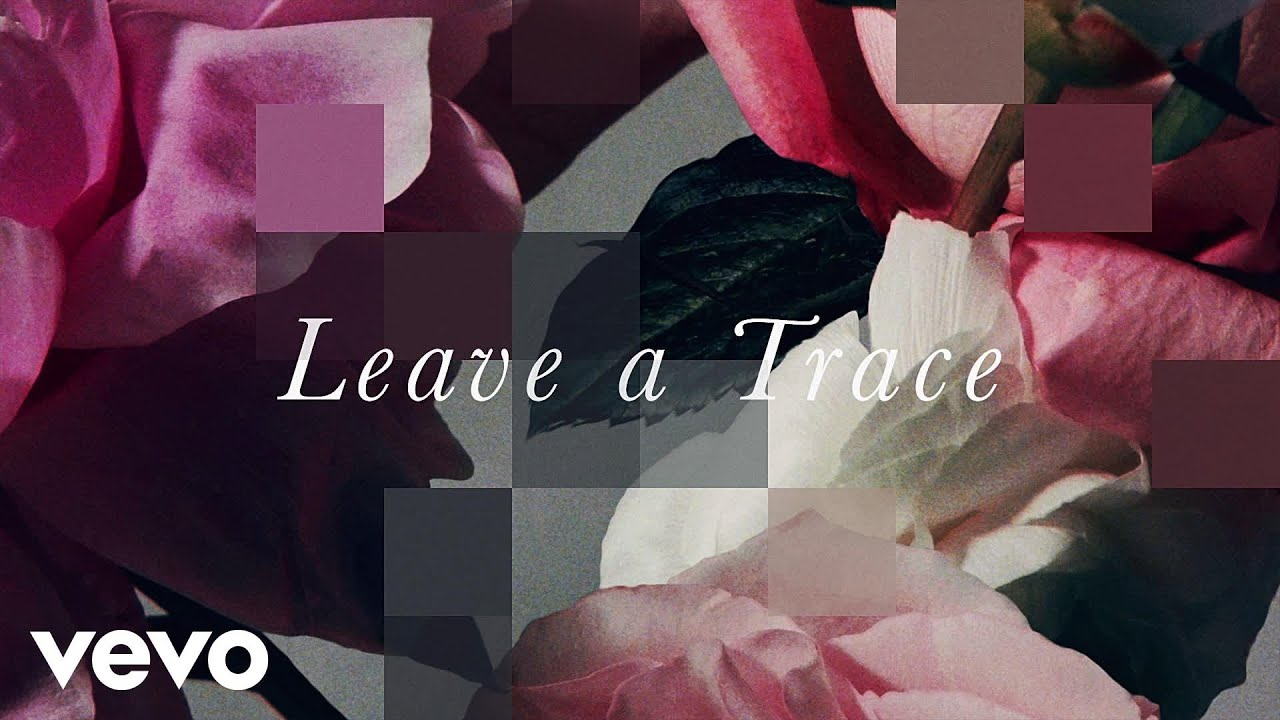 Escuchar CHVRCHES – Leave A Trace (Lyric Video)