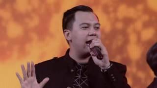 Chandra Liow feat. DEVINAUREEL, Eka Gustiwana @ YouTube FanFest Indonesia 2016