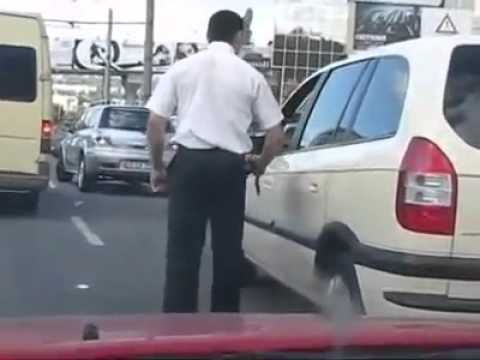Security vs Cab Driver Fighting in Russia