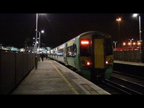 (HD) Rush Hour at Clapham Junction 27/10/2015