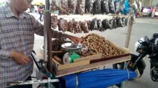 Street Food In Vietnam - Tamarinds On The Road 2013