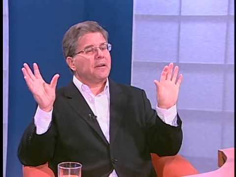 """Jornalista Airton Gontow fala sobre a busca de """"coroas metades"""" na internet"""