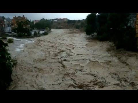 Überschwemmungen und starke Unwetter in Spanien