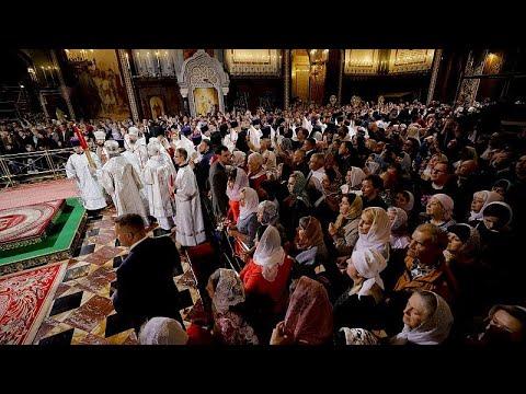 Millionen Menschen feiern das orthodoxe Osterfest in  ...