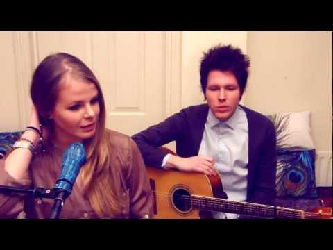 Tekst piosenki Natalie Lungley - Between The Bars po polsku