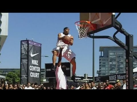 dunk - follow us on twitter http://www.twitter.com/teamflightbroS Well it's been every year that we've lobbied to have the NBA open up their NBA Slam Dunk Contest t...