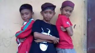 Video Boyband Ubur Ubur / Trio Ubur Ubur - Munaroh ' Prepet Prepet ' Parody by T3KK MP3, 3GP, MP4, WEBM, AVI, FLV November 2017