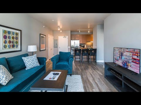A furnished short-term one-bedroom in a convenient River North location