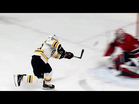 Video: Brad Marchand sneaks behind Canadiens to score on the power play