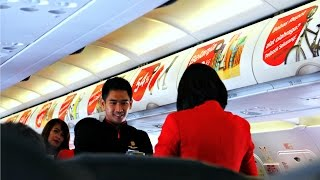 Video Indonesia AirAsia Flight Review: QZ265 Singapore to Jakarta MP3, 3GP, MP4, WEBM, AVI, FLV Juni 2018