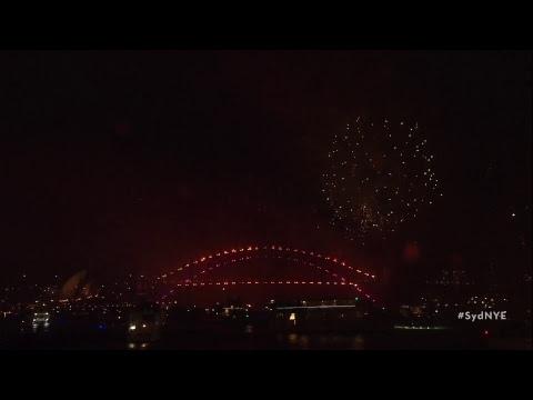 Australien startet in das Jahr 2019 - Feuerwerk in Sydney