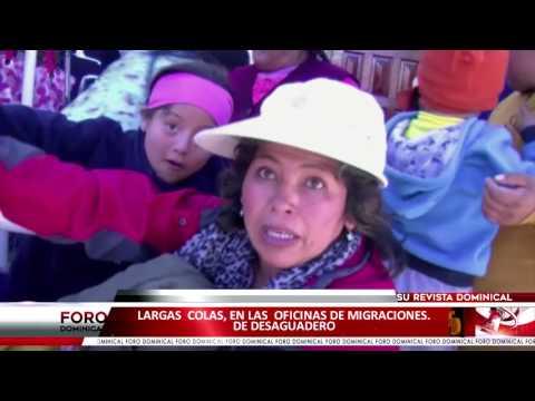 Largas colas, en las oficinas de migraciones en Desaguadero