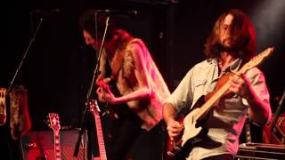 Perry and The Travellers - Walkin´on that line (Live 2012-12-25)
