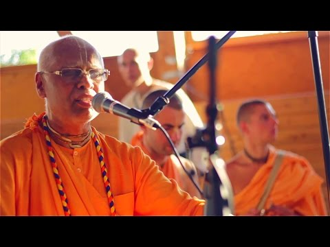 Olas de Kirtan, Festival vaisnava báltico del verano, S.S Lokanatha swami