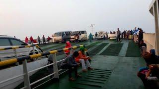 Video Nyebrang Ke Pulau Jawa - Trip Naik Bus Lorena Part 2 MP3, 3GP, MP4, WEBM, AVI, FLV September 2018