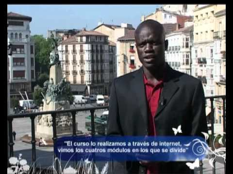 """Entrevista en Canal Gasteiz a los y las estudiantes senegaleses que participaron en el intercambio promovido por el curso """"Dialogando con el Sur""""."""