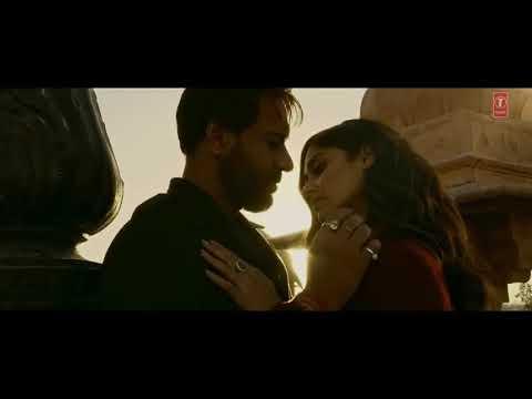 Baadshaho Movie Kissing Scene Ajay Devgan And Ilena D'Cruz - Movie7.Online