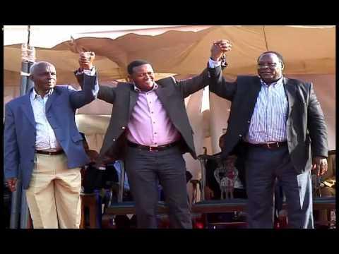 ukambani - Magavana watatu wa kaunti za eneo la ukambani wamekutana kujadili migogoro inayokumba kaunti zao. Magavana hao Alfred Mutua, Kivutha Kibwana na Julius Malombe wamewaonya wanachama ...
