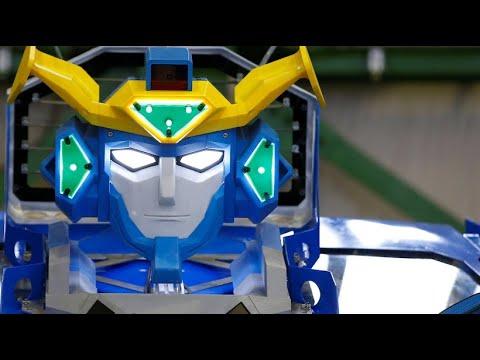 """Japanische Ingenieure bauen """"Transformer"""" mit Sitzplä ..."""