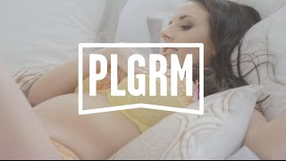 Couple film porn on Melbourne train | VIDEO stills