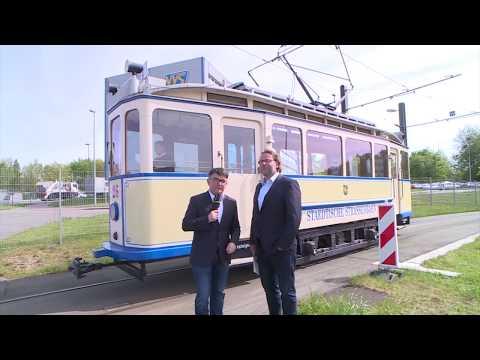 Fahrt mit der Traditionsstraßenbahn durch Schwerin
