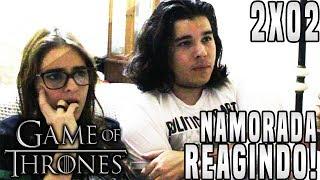 """No vídeo de hoje a minha namorada irá reagir ao Segundo Episódio da Segunda Temporada de Game of Thrones """"The Night Lands""""!► LINKS E REDES SOCIAISCanal Principal: https://www.youtube.com/user/TheDanielsSkMeu Twitter: https://twitter.com/TheDanielsSkMeu Instagram: http://instagram.com/TheDanielsSkPágina no Facebook: http://www.facebook.com/TheRealDanielsSkPara Contato Profissional: contatodaniels@gmail.com!"""