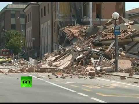 Video: Moment of deadly Italy earthquake caught on camera