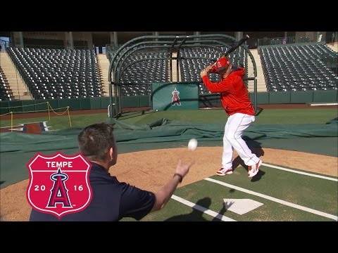 30 Clubs In 30 Days: How Mike Trout Approaches Hitting