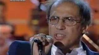 Adriano Celentano - Pregherò (Live) lyrics (Russian translation). | Pregherт , Per te , Che hai la notte nel cuor , E se tu lo vorrai , Crederai. , Io lo so...