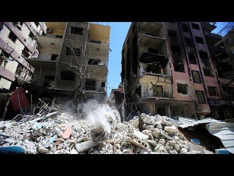 العرب اليوم - شاهد: 20 قتيلًا في قصف مخيّم اليرموك للاجئين الفلسطينيين