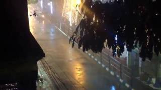 Heavy Rain & Thunderstorm in Kolkata during Durga Puja Navami 2016. It was a 1 Hour Rain. Roads became empty and there was  a hitch in Pandal Hopping. It again resumed from 10 Pm.