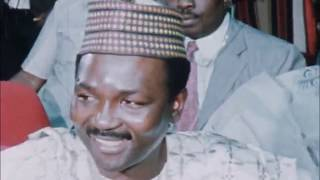 General Yakubu Gowon is told that he has been overthrown | 29.7.1975