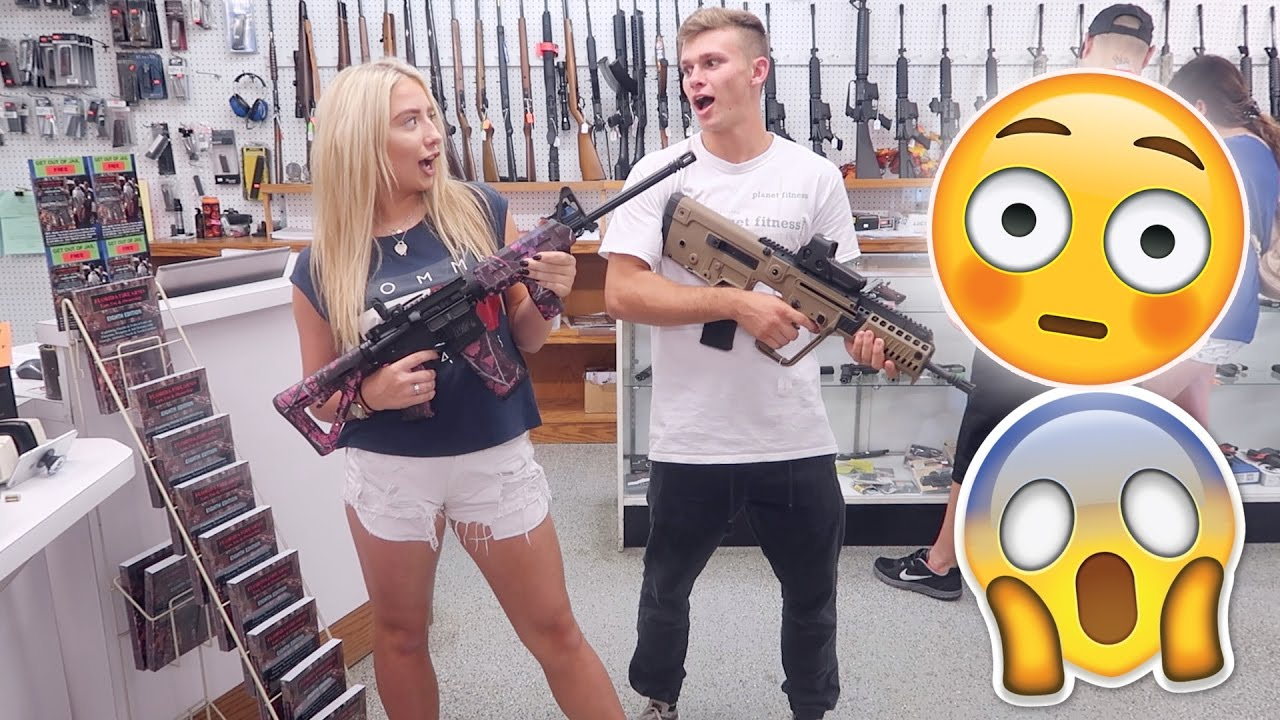 SHOOTING MACHINE GUNS FOR THE FIRST TIME..!!!! + VISITING AN AMERICAN HIGHSCHOOL FOOTBALL GAME?!
