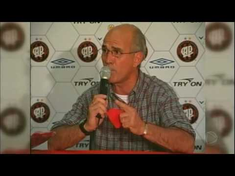 Comentarista Mário Sérgio é velado em Itapecerica da Serra (SP)