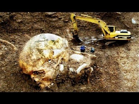 7 Farklı Mezarlıkta Bulunan Dev İnsan İskeletleri