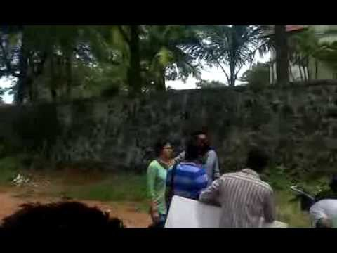 Video Asif Ali Angry On Public At Bicycle Thieves Location download in MP3, 3GP, MP4, WEBM, AVI, FLV January 2017
