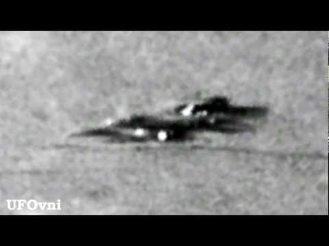 UFO Alien Spacecraft lands on the Moon_Best UFO videos ever
