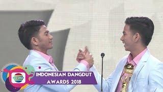 Video TOP!! Rizki Ridho Menyabet Piala IDA Kategori Penyanyi Dangdut Duo/Grup Terpopuler MP3, 3GP, MP4, WEBM, AVI, FLV Maret 2019