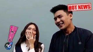 Video Hot News! Lucu Banget Cerita Malam Pertama Fendy Chow dan Stella - Cumicam 26 Juli 2017 MP3, 3GP, MP4, WEBM, AVI, FLV Desember 2017