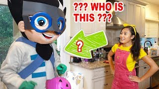 Video PJ Masks & Paw Patrol Go Trick or Treating for Halloween at Ellie's House In Real Life MP3, 3GP, MP4, WEBM, AVI, FLV Juli 2019